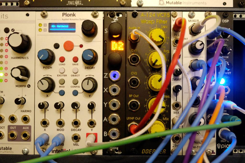 Modular synthesiser